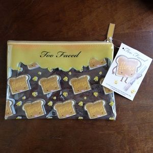LE Too Faced Peanut Butter & Honey Clear Bag